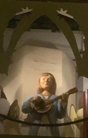 Musizierender Engel