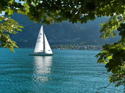Segelboot auf dem Wolfgangsee