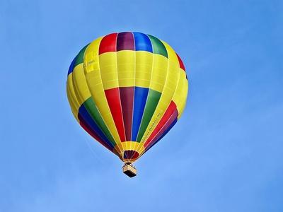 Farbiger Heissluftballon