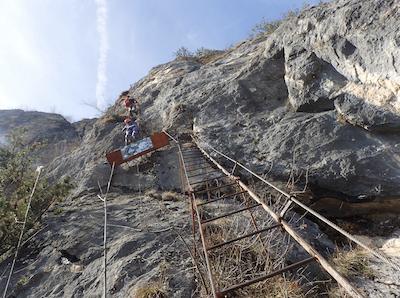 Kletterfelsen mit Leiter
