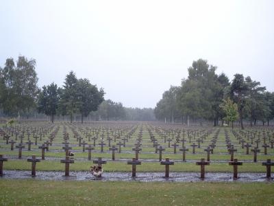 Gräber eines Soldatenfriedhofs