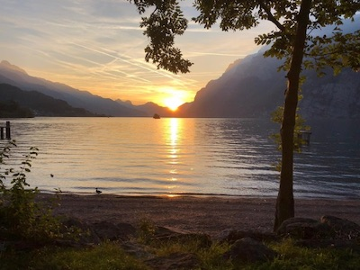 Sonnenaufgang an einem See